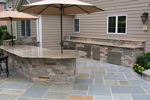 Exceptional An Outdoor Bar Is A Great Way To Bring The Indoors Outdoors. Your Backyard  Patio Will Transform Into The Perfect Area To Entertain While Overlooking  Your ...